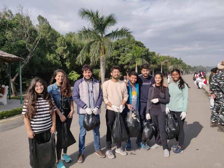 Travelwalkthroughs - Cleaning Sukhna Lake